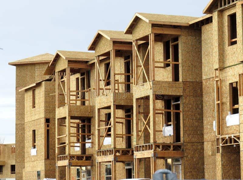 Prédio de apartamentos sob a construção fotos de stock royalty free