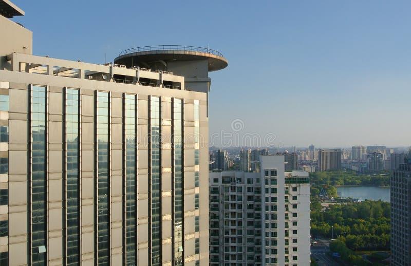 Prédio de escritórios em Shanghai foto de stock