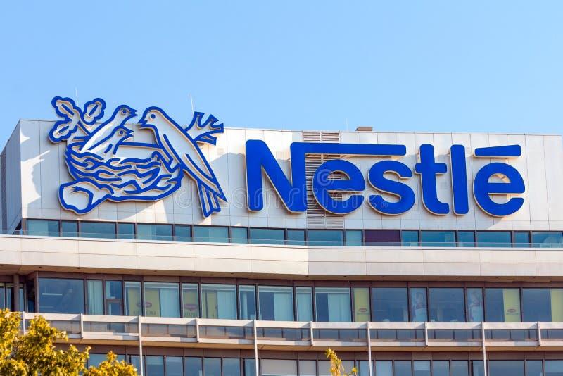 Prédio de escritórios Francoforte de Nestle fotografia de stock