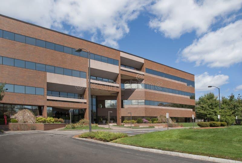 Prédio de escritórios moderno imagens de stock royalty free
