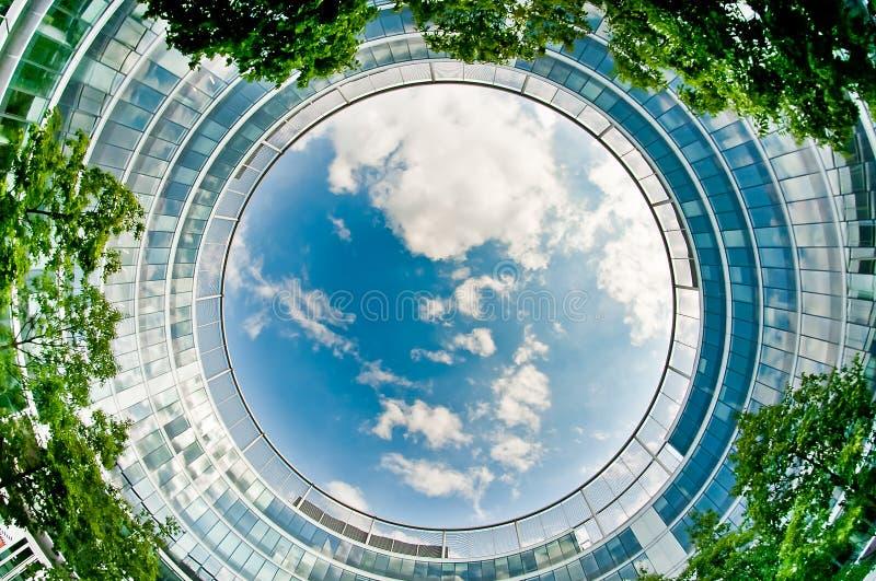 Prédio de escritórios moderno imagem de stock royalty free