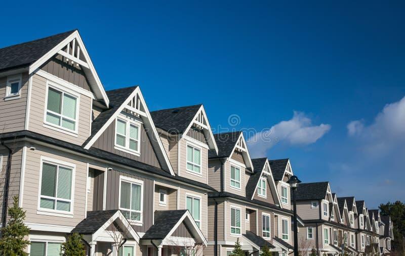 Prédios de apartamentos imagens de stock