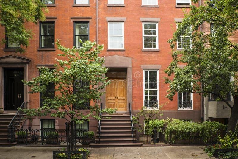 Download Prédios De Apartamentos Do Greenwich Village, New York City Foto de Stock - Imagem de urbano, alaranjado: 29834980