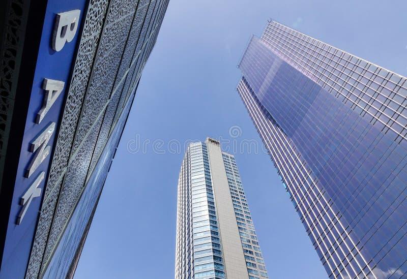 Prédios de escritórios na cidade de Makati em Manila, Filipinas imagem de stock