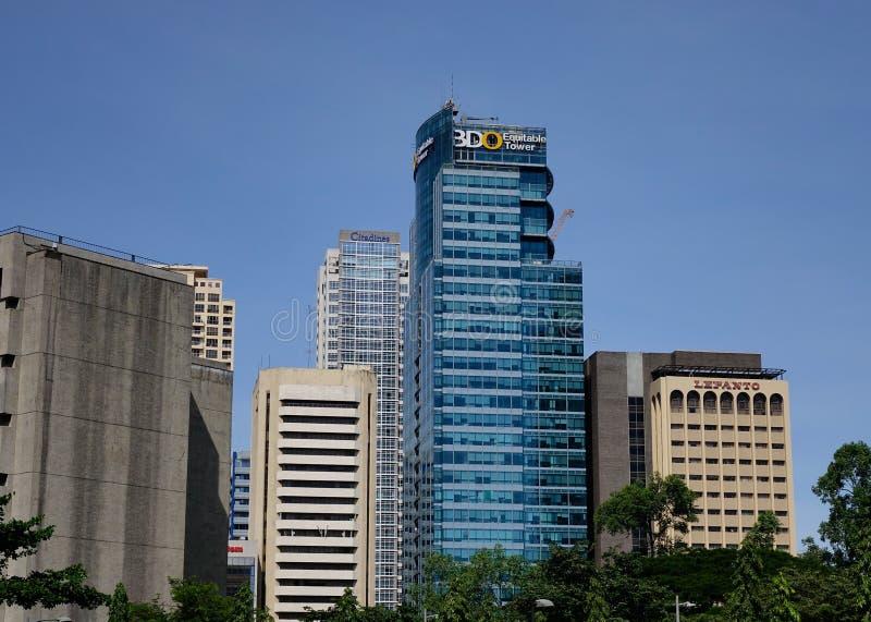 Prédios de escritórios no distrito de Makati em Manila, Filipinas fotos de stock royalty free
