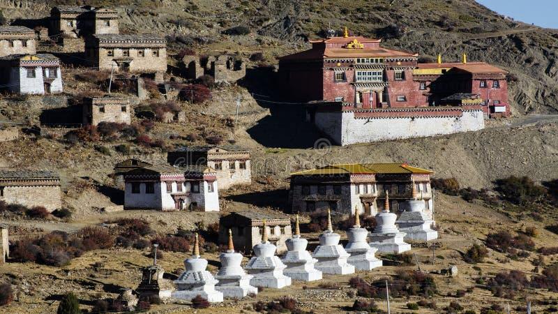 Préfecture d'aba dans la province de Sichuan, montagne de quatre filles images libres de droits