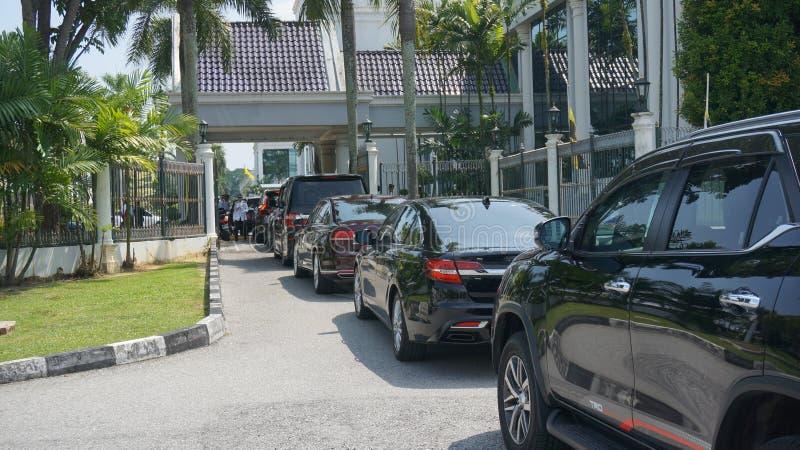 Préparation au sultan Perak Sultan Nazrin partant de Bangunan Dewan Darul Ridzuan images libres de droits