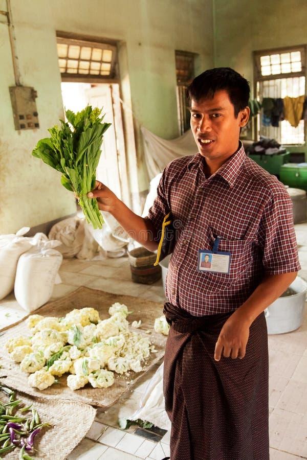 Préparation de la nourriture, Myanmar photographie stock libre de droits