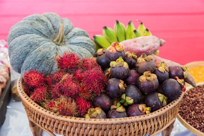 Préparations thaïlandaises de fruits photographie stock