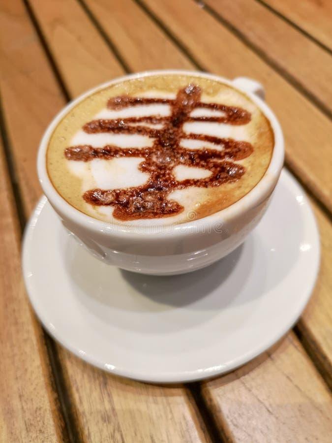 Préparez pour avoir un café délicieux photos stock