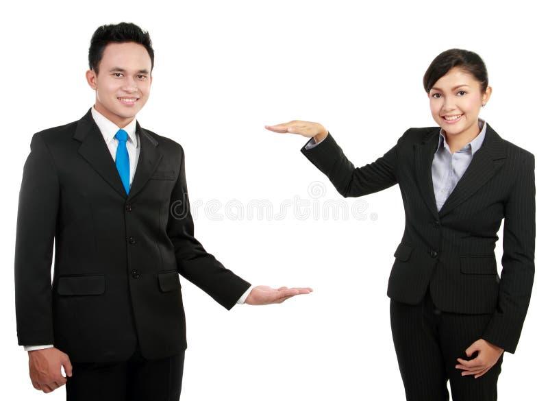 Présentation d'homme et de femme d'affaires image stock