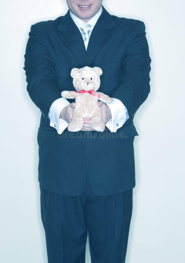 Présentation d'un ours bourré   photo libre de droits
