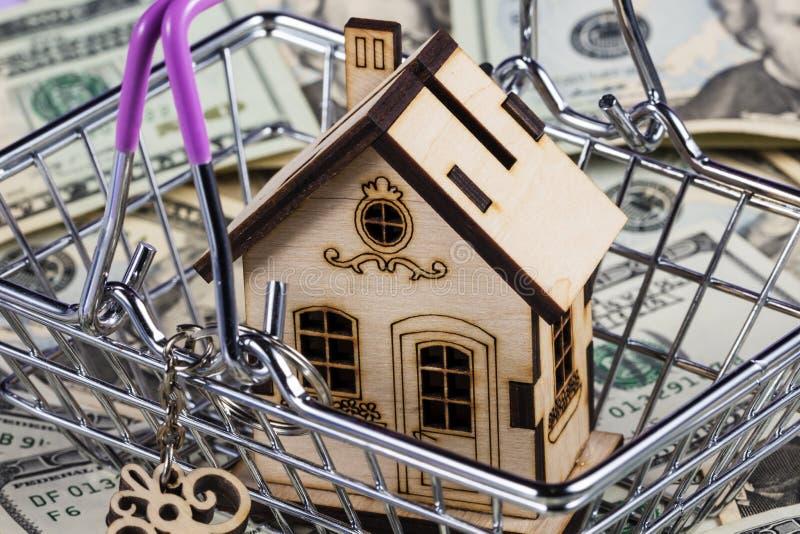 Préstamo o reserva para la compra un concepto de la casa y de las propiedades inmobiliarias Cargamento de la hipoteca y concepto  foto de archivo libre de regalías