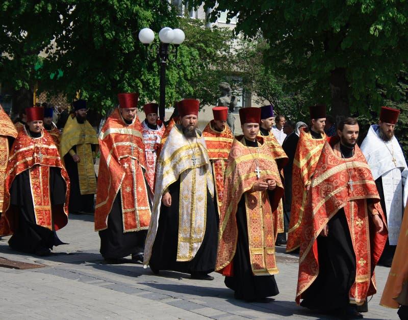 Prêtres orthodoxes images libres de droits