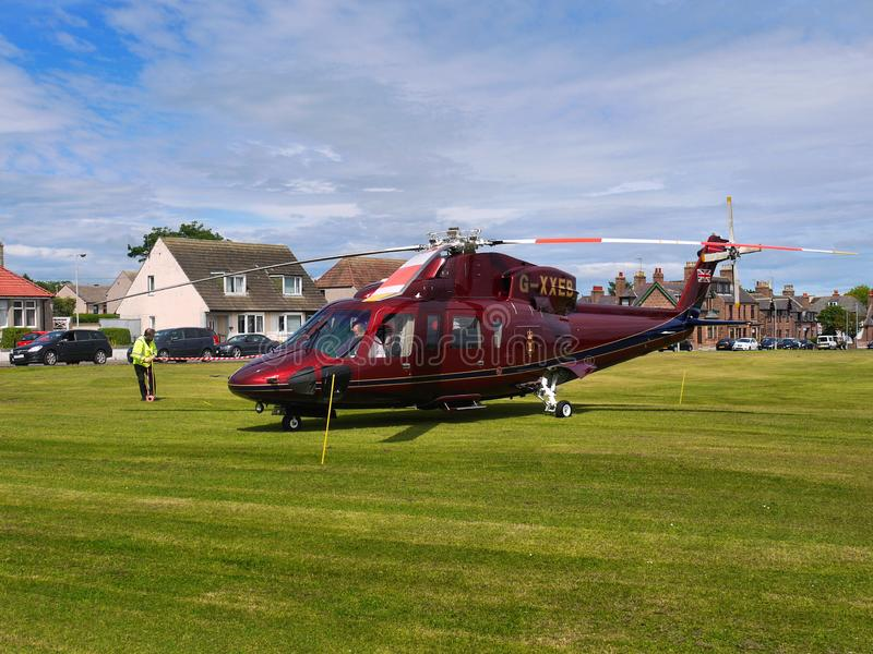 Príncipe Charles Royal Helicopter en recurso seguro fotos de archivo libres de regalías