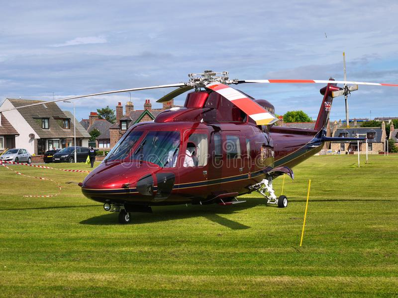 Príncipe Charles Royal Helicopter Landed fotos de archivo libres de regalías