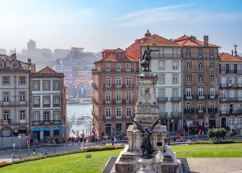 Príncipe Henry el navegador Square, Oporto, Portugal imagen de archivo