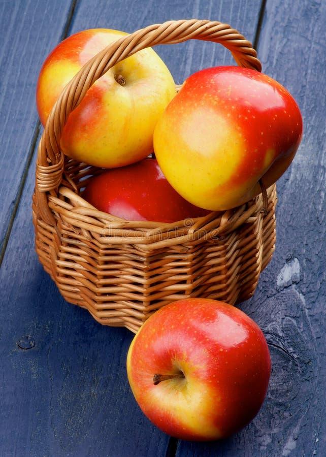 Príncipe rojo Apples imágenes de archivo libres de regalías