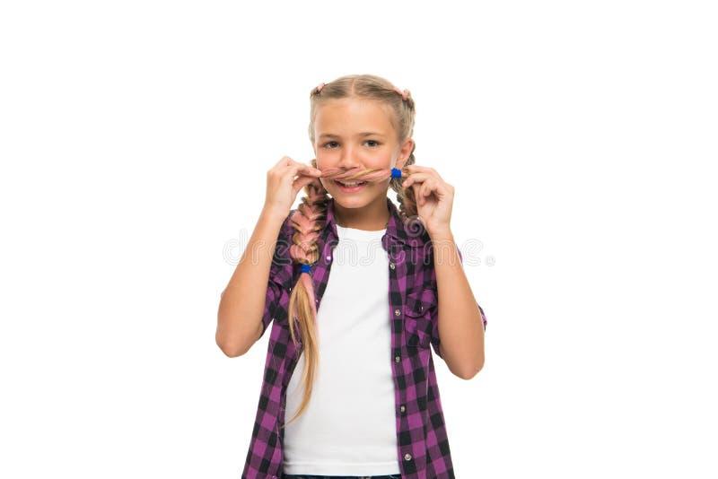 Próba wąsy dalej Twarzowego w?osy poj?cie Dziewczyna długich warkoczy biały tło odizolowywający Utrzymuje fryzurę splatająca dla  obrazy royalty free