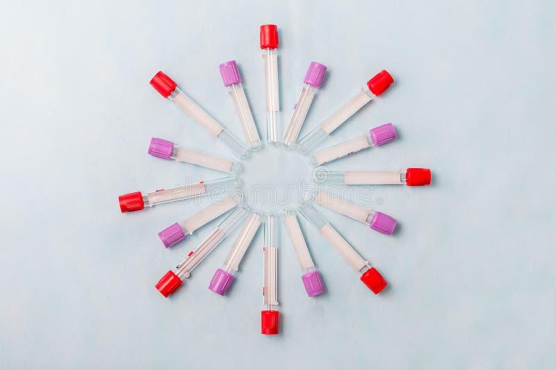 Próbne tubki dla laboranckiej diagnozy dla badań krwi, zdjęcia stock