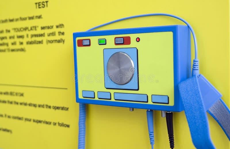 Prüfung einer elektrostatischen Elektrizität stockfotos