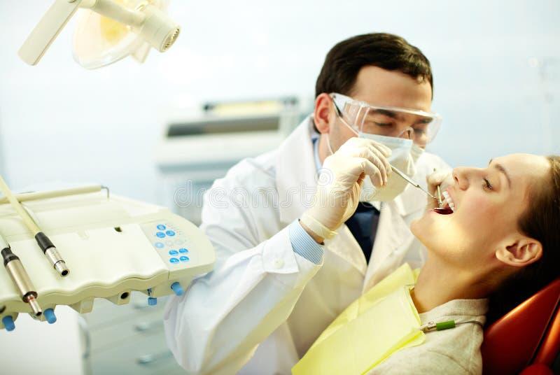 Prüfung herauf Zähne stockbild