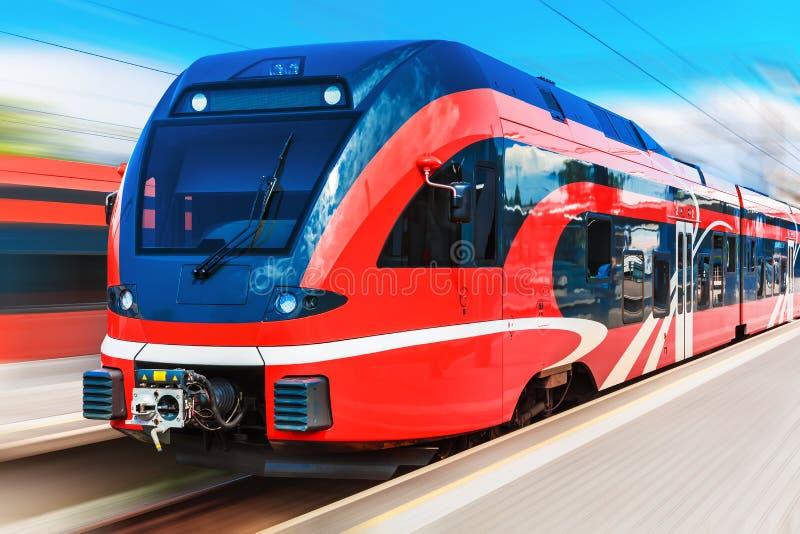 prędkość pociągu wysokiej nowoczesnego zdjęcie stock