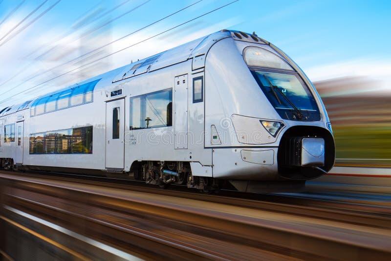 prędkość wysoki nowożytny pociąg obrazy royalty free