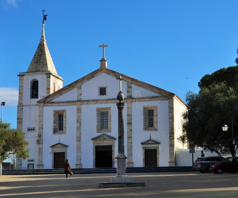 Pręgierz i kościół Nasz dama zdjęcie stock