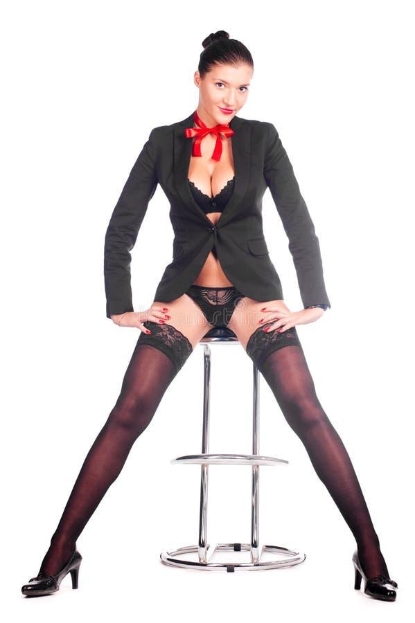 prętowa łęku krzesła dziewczyna szyi jej czerwień fotografia stock