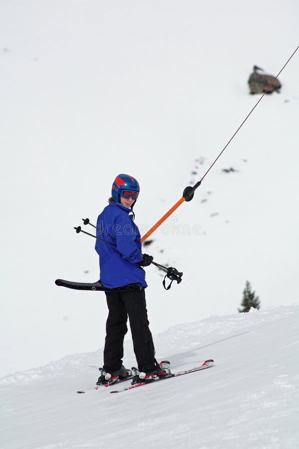 prętowej dziewczyny idzie narciarstwo t prętowy obrazy royalty free