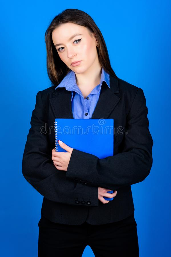Pr?parez pour la le?on ?ducation d'affaires ?tudiante de femme d'affaires ( ?cole de commerce Gestionnaire photo libre de droits