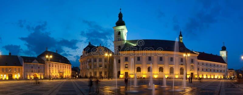 Praça da cidade de Sibiu fotografia de stock