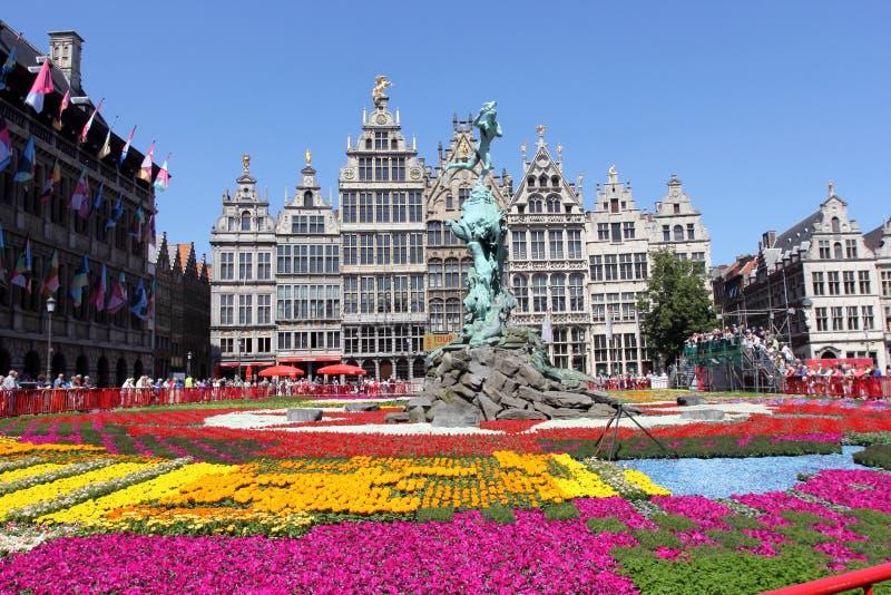 Praça da cidade principal de Antuérpia, Bélgica fotos de stock royalty free