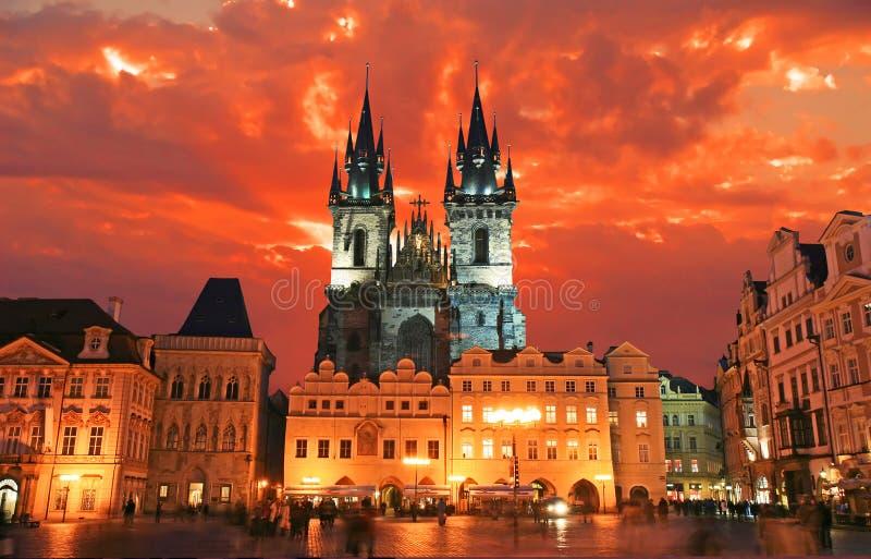 A praça da cidade velha em Praga imagem de stock