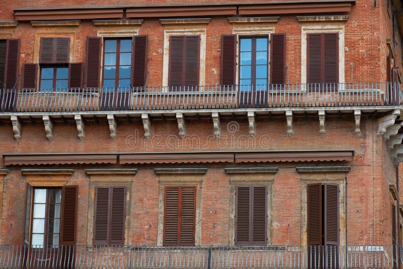 Praça del Campo O centro histórico de Siena foi declarado pelo UNESCO um local do patrimônio mundial Construções históricas bonit imagem de stock