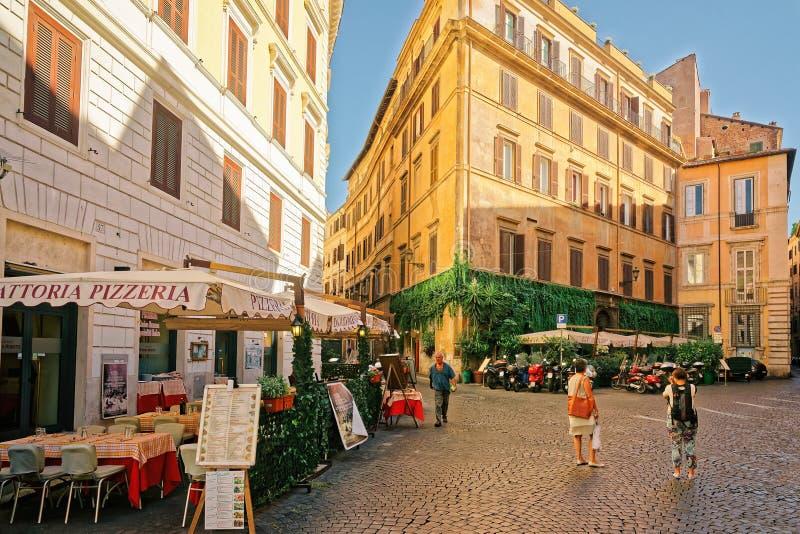 Praça del Caprettari em Roma Itália foto de stock royalty free