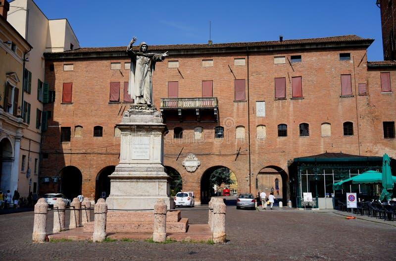 Praça Savonarola de Ferrara foto de stock