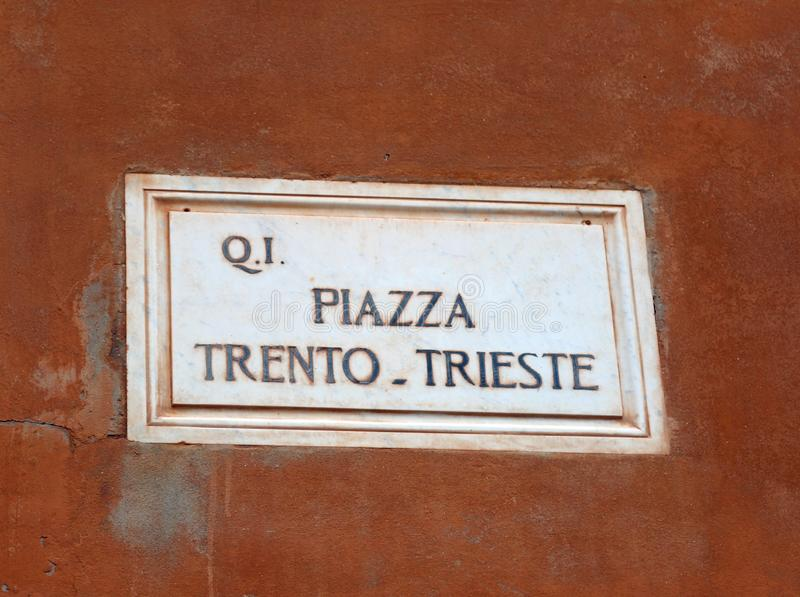Praça Trento e Trieste no centro histórico de Ferrara fotografia de stock royalty free