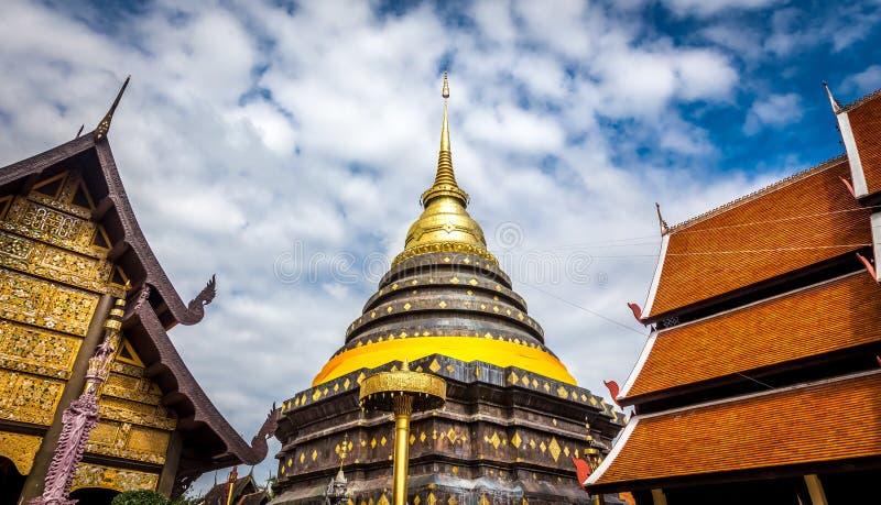 Pra die Lampang Luang, de beroemde oude boeddhistische tempel royalty-vrije stock afbeeldingen