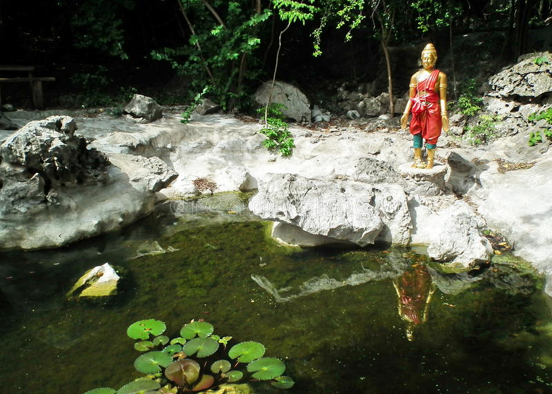 Pra-Sang : Statue-like in literature .Nang-Pan-Tu-rAT PARK Due to the initiative. National Forest Pour the chest consists of a limestone cave, and the nature stock images