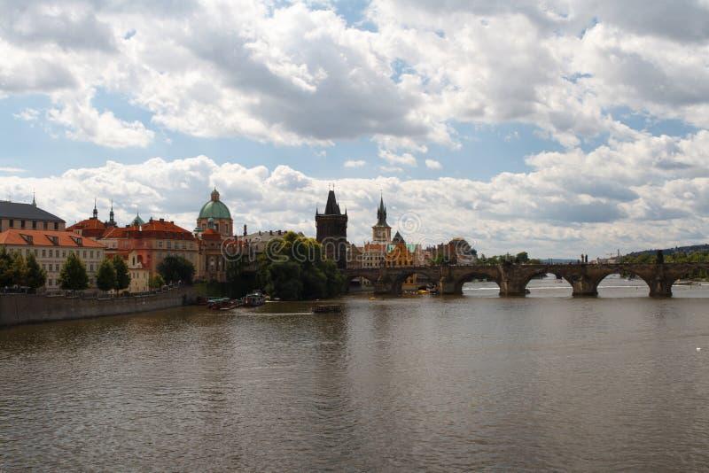 Praag, Charles Bridge en Oude Townl tsjechisch stock fotografie