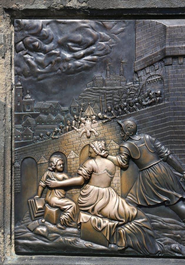 Praag, Tsjechische Republiek - 25 Augustus, 2016: Oud beeldhouwwerk van stock afbeeldingen