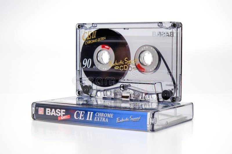 PRAAG, TSJECHISCHE REPUBLIEK - 17 JANUARI, 2019: Het audio compacte chroom van Ce II van cassettebasf op plastic doos Audiocasset royalty-vrije stock foto's