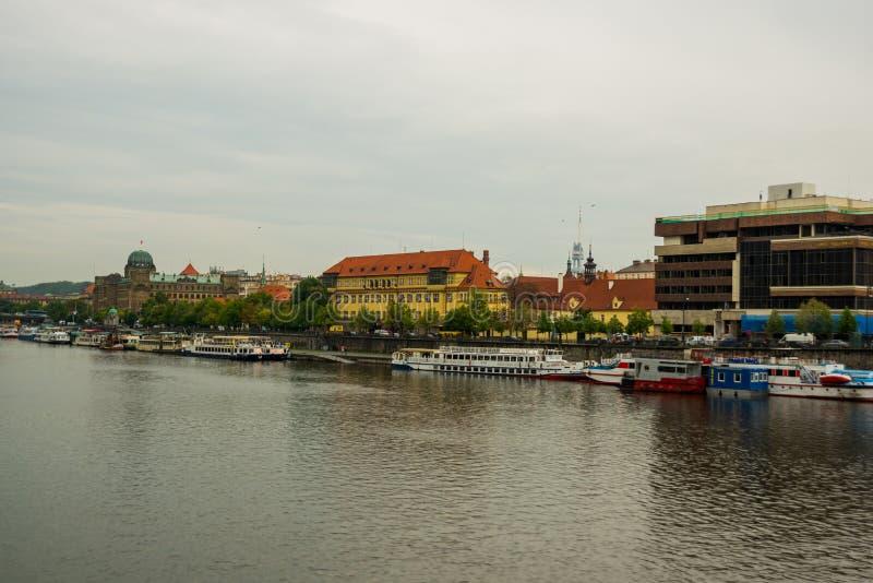 Praag, Tsjechische Republiek: Koepel van het Ministerie van de Industrie en Handel van het Gebouw van de Tsjechische Republiek me royalty-vrije stock fotografie