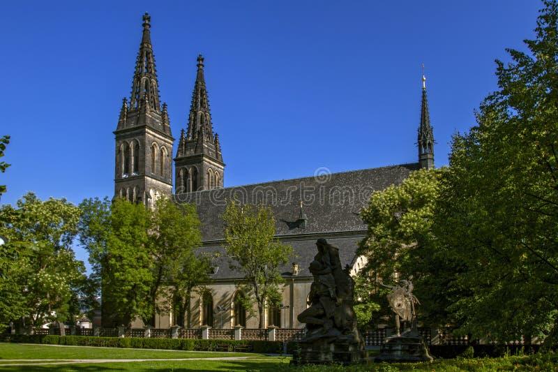 Praag - Vyehrad Kerk van St Peter en Paul Gotische stijl Praag, Tsjechische Republiek royalty-vrije stock afbeeldingen