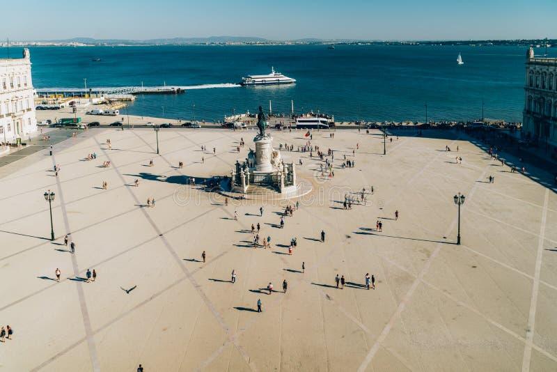 Praca делает Comercio или квадрат коммерции в Лиссабоне стоковые фото