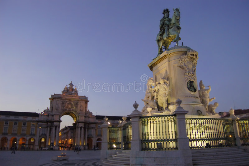 Download Praca Do Comercio In Lisbon Royalty Free Stock Photography - Image: 983077