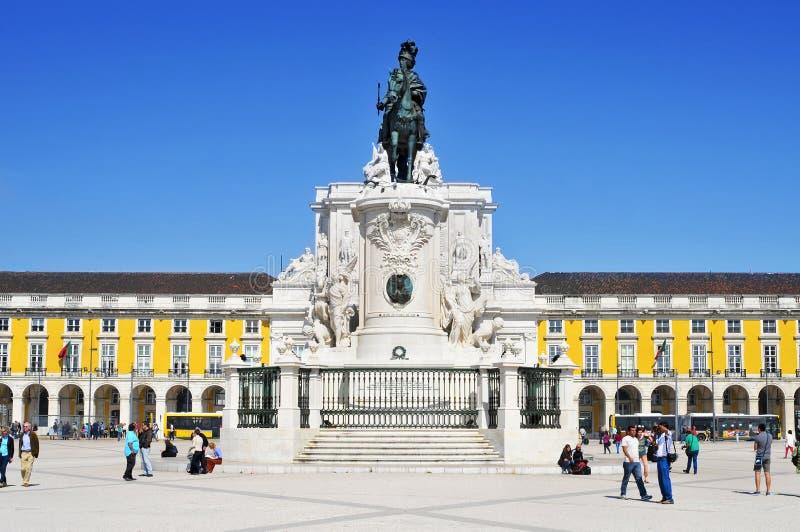 Download Praca Do Comercio In Lissabon, Portugal Redactionele Stock Afbeelding - Afbeelding bestaande uit europa, centrum: 39110594