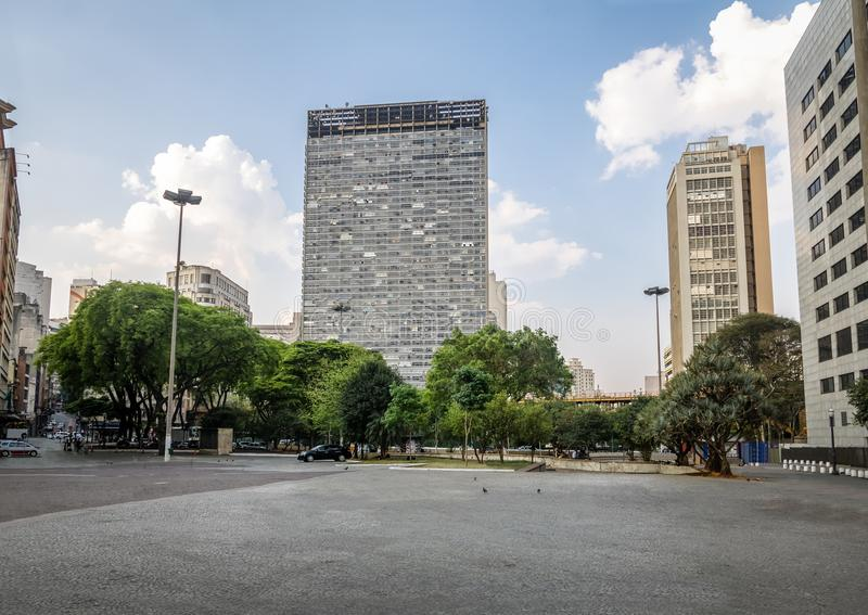 Praca tun Correio-Post-Quadrat und Santa Ifigenia Viaduct - Sao Paulo, Brasilien lizenzfreie stockfotos